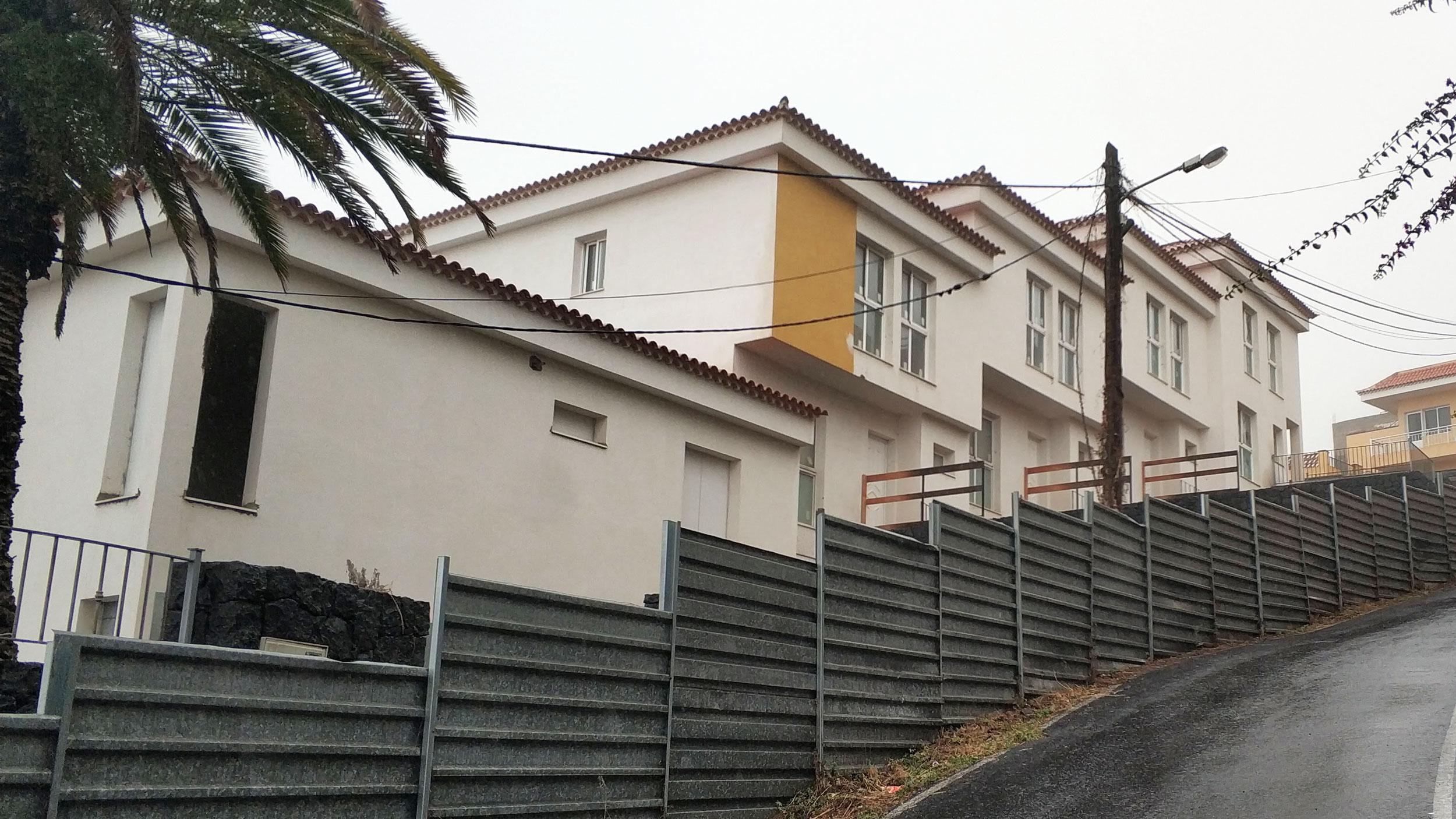 LEGALIZACION de 6 VIVIENDAS ADOSADAS en El Sauzal